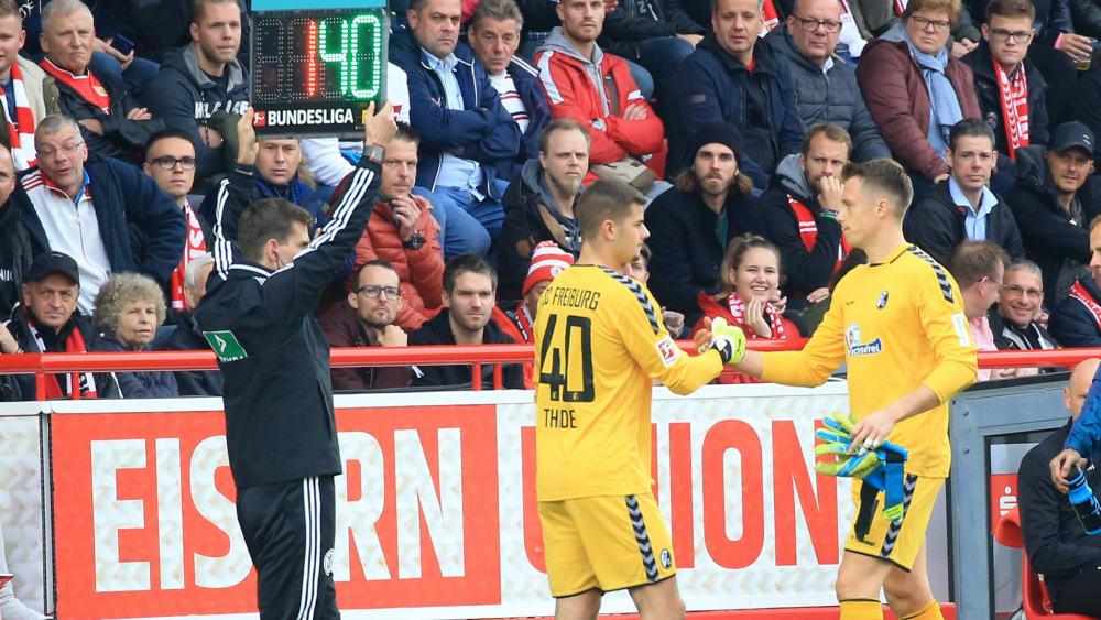Freiburg muss länger auf Schwolow verzichten - Keeper zieht sich Verletzung zu