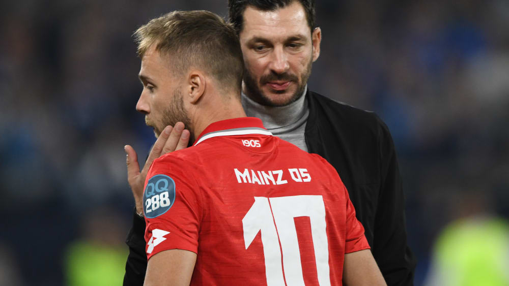 Alexandru Maxim und Trainer Sandro Schwarz