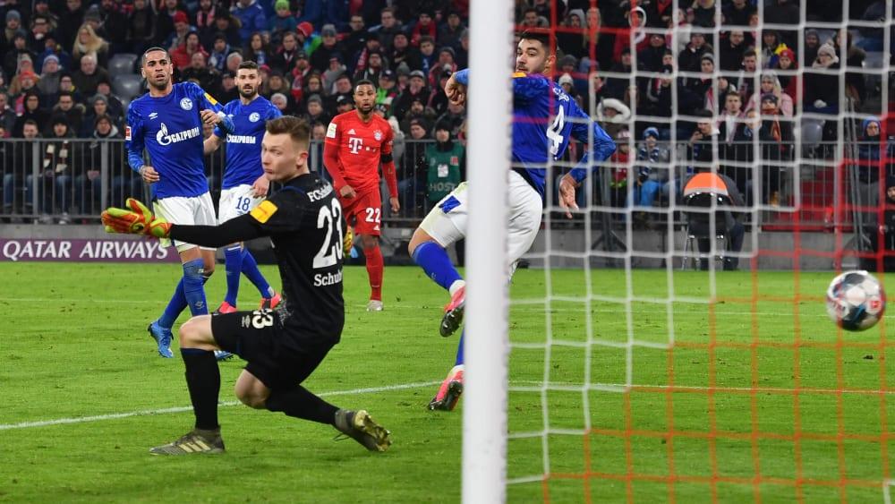 Schalke-Torwart Markus Schubert hat beim 0:5 in München zweimal gepatzt.