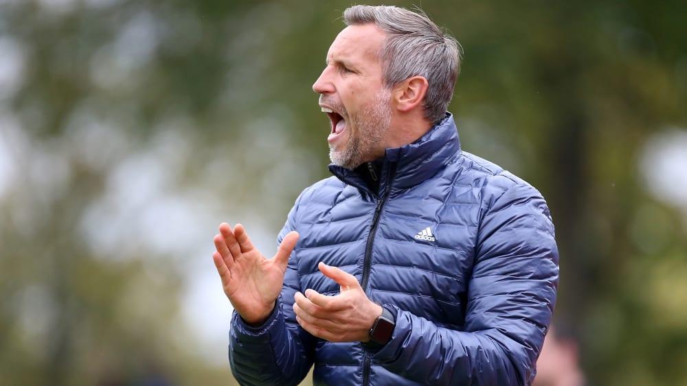 Bleibt positiv: Schweinfurts Trainer Timo Wenzel.