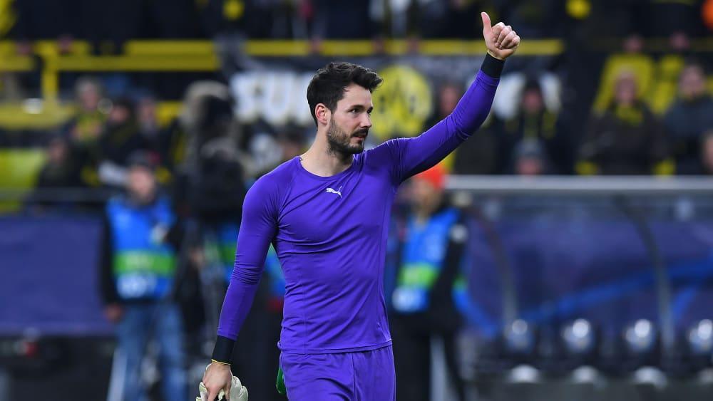Der gefeierte Mann: Dortmunds Keeper Roman Bürki.