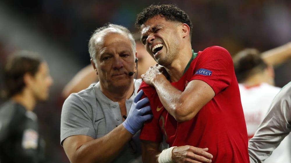Pepe musste gegen die Schweiz unter großen Schmerzen vom Feld.