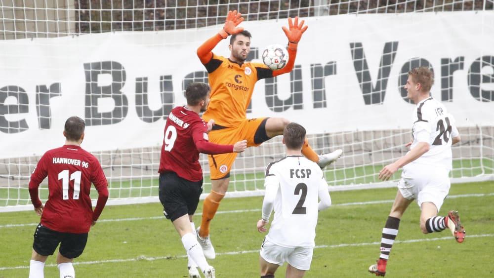 Macht sich wieder für den Kiezklub breit: Korbinian Müller, hier in der vergangenen Saison im Einsatz für St. Pauli II.