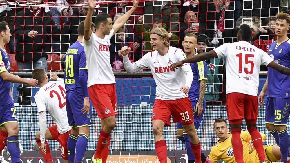 Sebastiaan Bornauw (M.) bejubelt sein soeben erzieltes 1:0.