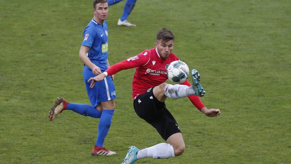 Valdrin Mustafa von der U23 von Hannover 96 hat sich infiziert.