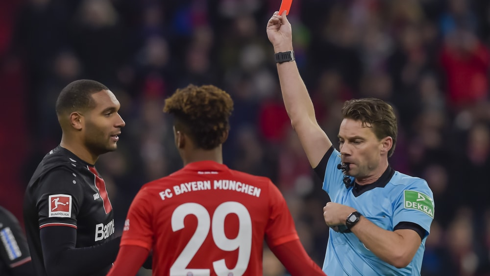 Jonathan Tah sieht in München Rot
