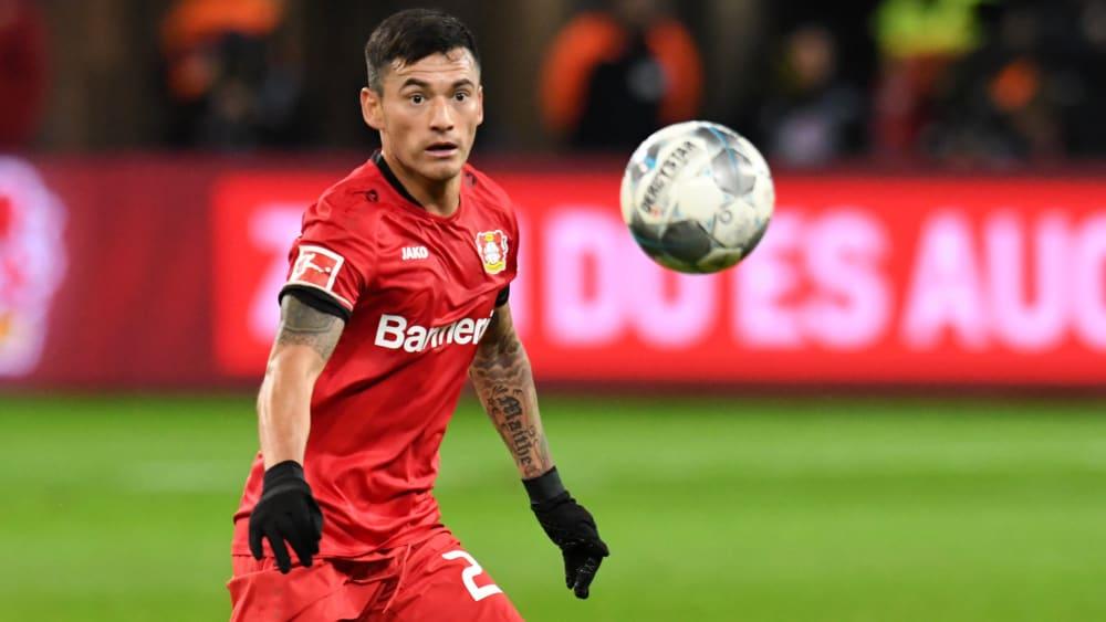 Leverkusens Charles Aranguiz verpasst den Rückrundenauftakt.