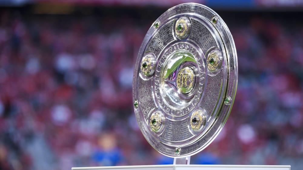 Meisterschale: Spätestens am 15. Mai 2021 wird der Meister der Saison 2020/21 bekannt sein.