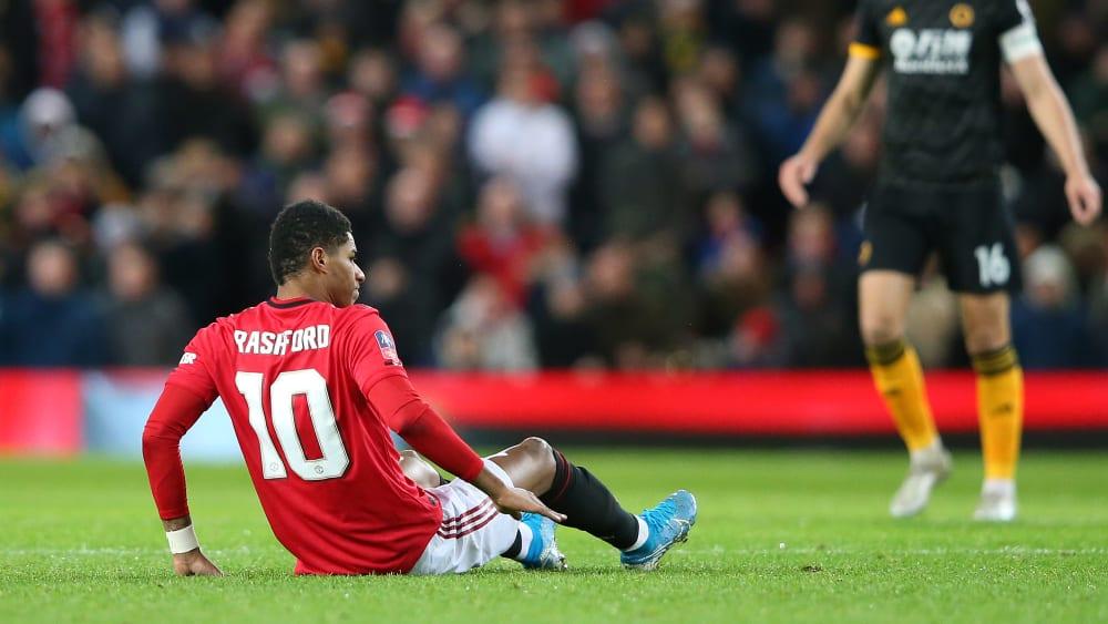 Am Boden: Nach seinem 16-Minuten-Kurzeinsatz gegen Wolverhampton musste Marcus Rashford ausgewechselt werden.