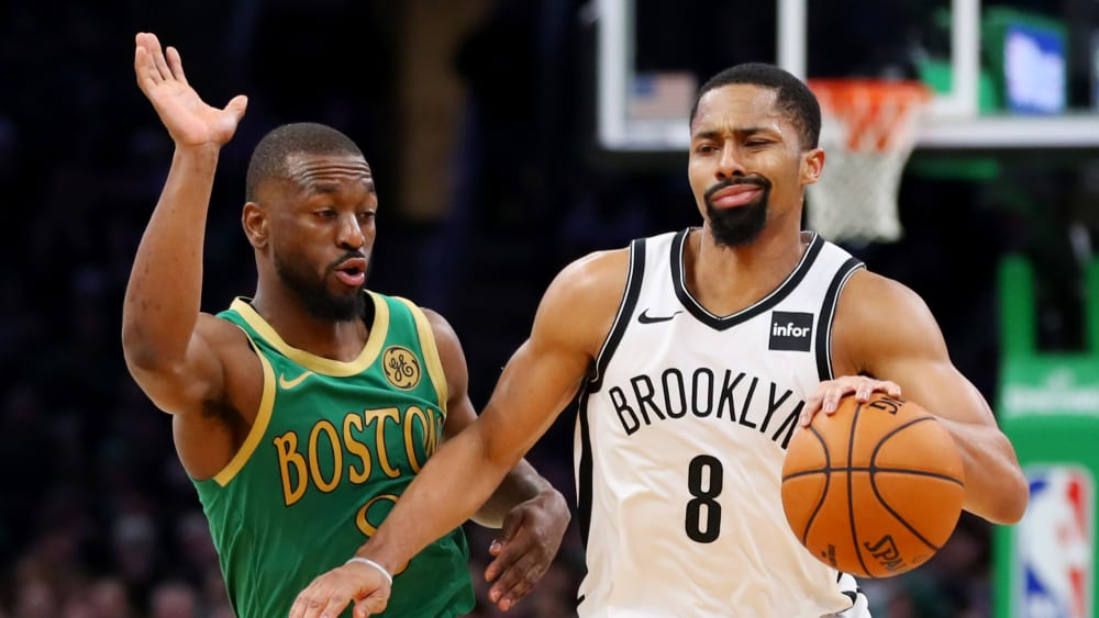 Kemba Walker gegen Spencer Dinwiddie (re.)