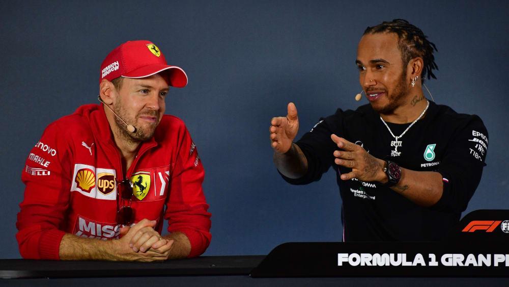 Sebastian Vettel? Oder Lewis Hamilton (re.)? Wer fährt 2021 für Ferrari?