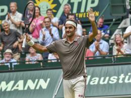 Federer im Halle-Flow - Kerber braucht drei Sätze auf Mallorca