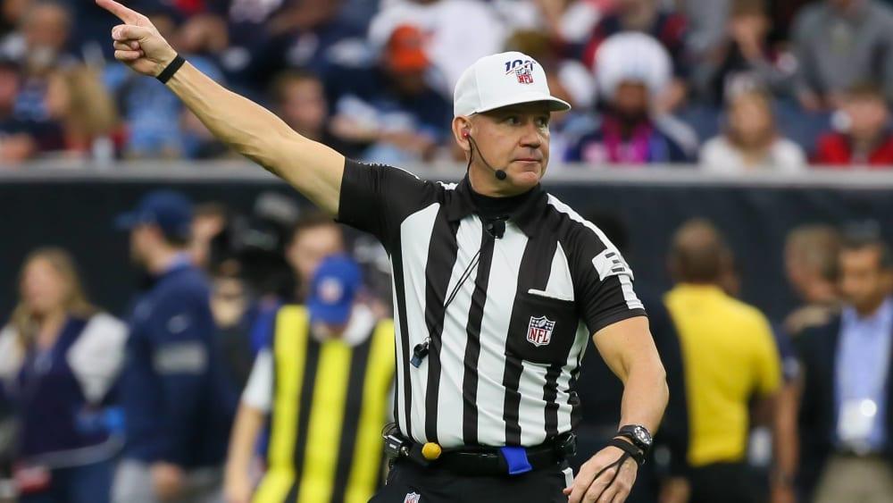 Clete Blakeman ist Schiedsrichter in der NFL.