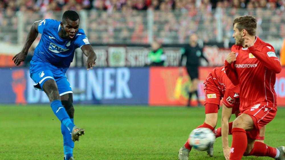 Ihlas Bebou erzielt das 1:0