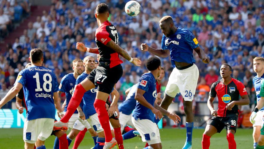 Eines von vier anstehenden Bundesliga-Duellen im Pokal: Schalke trifft auf Hertha BSC.