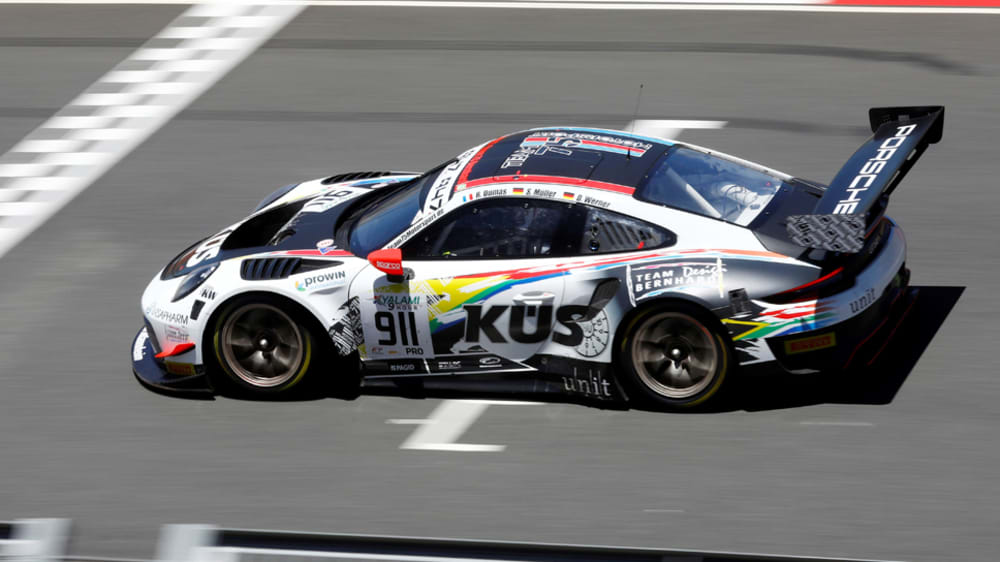 Timo Bernhards Porsche 911 GT3