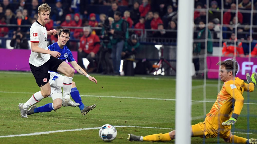 Schalkes Benito Raman trifft gegen Eintracht Frankfurt
