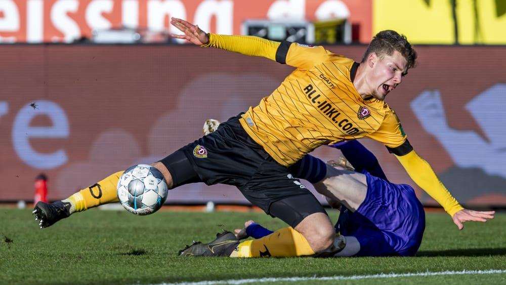Dresdens Kevin Ehlers hat sich am rechten Sprunggelenk verletzt.