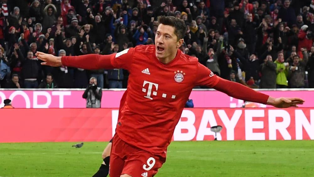 Robert Lewandowski bejubelt einen seiner 19 Hinrunden-Treffer