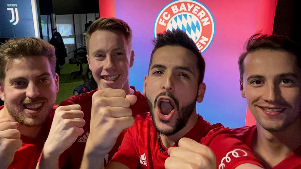 Feierlaune bei den eSportlern vom FC Bayern München