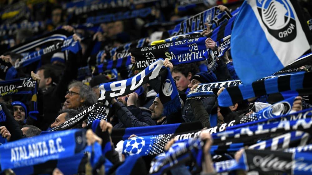 Hier zeigen sich Fans von Atalanta Bergamo.