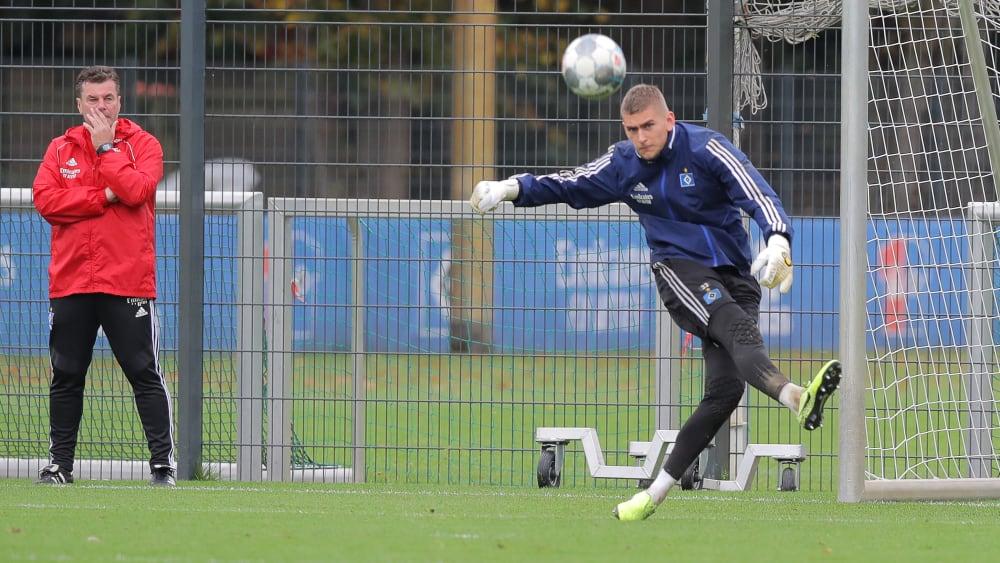 Julian Pollersbeck überzeugte Dieter Hecking (l.), ihn wieder in den Kader aufzunehmen.