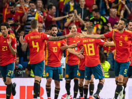 Voll auf Kurs: Zwei Elfmeter erlösen Spanien