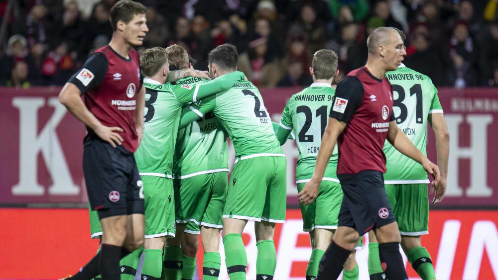 Enttäuschende Nürnberger ziehen von dannen, Hannover bejubelt das 1:0.