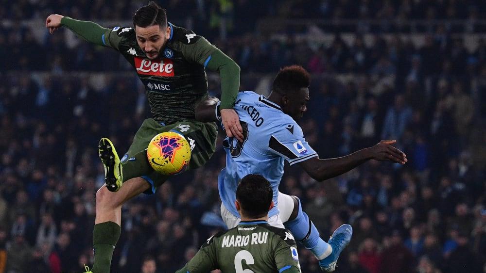 Napolis Kostas Manolas gegen Lazios Felipe Caceido