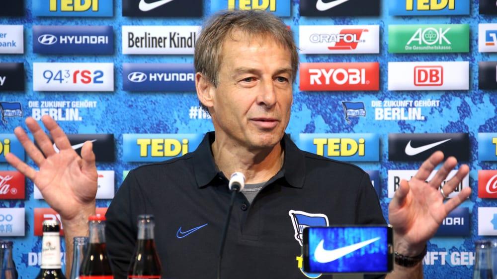 Jürgen Klinsmann bei der Pressekonferenz