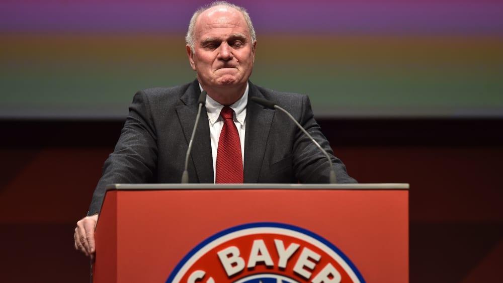 Uli Hoeneß tritt als Präsident des FC Bayern München ab.