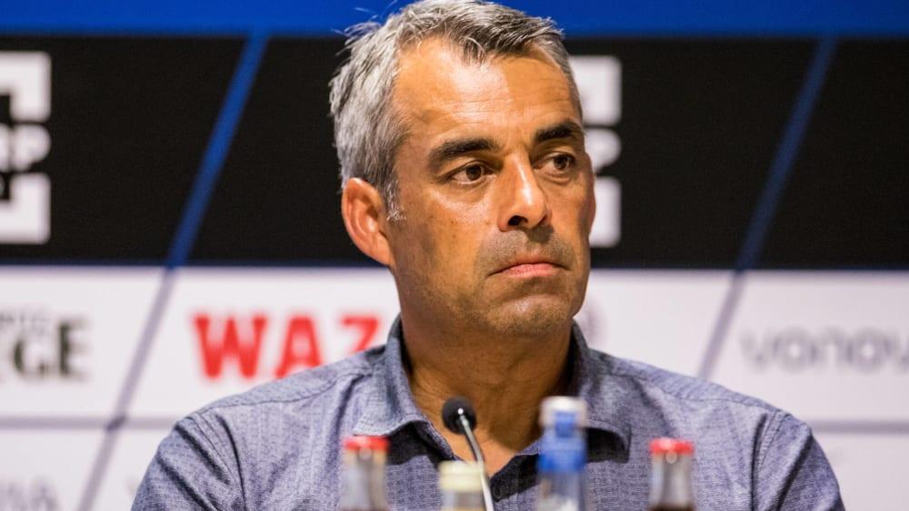 Stellte seine Zukunft beim VfL selbst in Frage: Trainer Robin Dutt.