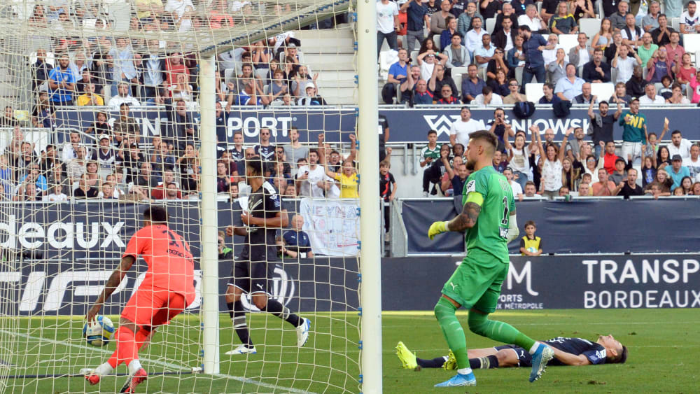 Neymar trifft zum 1:0 für Paris
