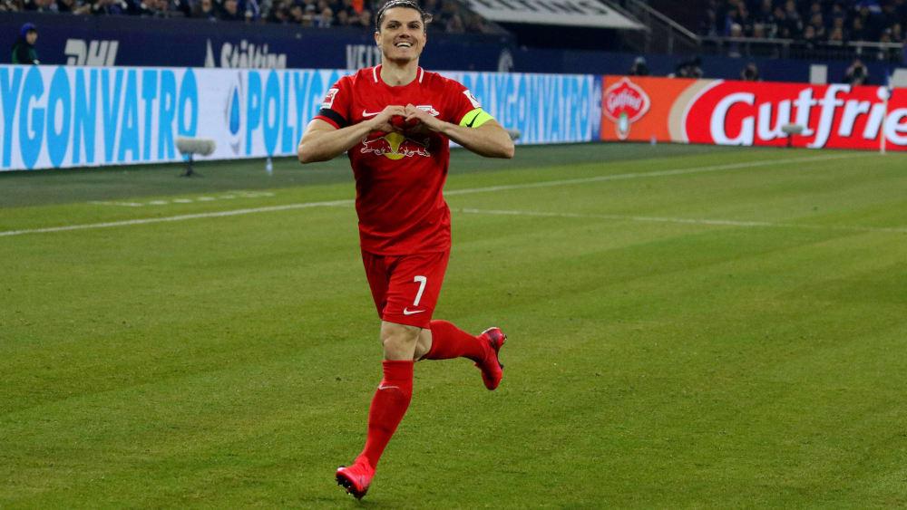 Leipzigs Marcel Sabitzer freut sich über sein frühes 1:0 auf Schalke.