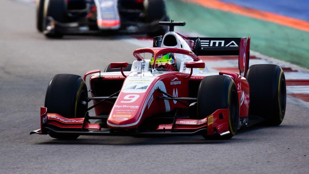 Mick Schumacher fährt auch 2020 für Prema in der Formel 2.