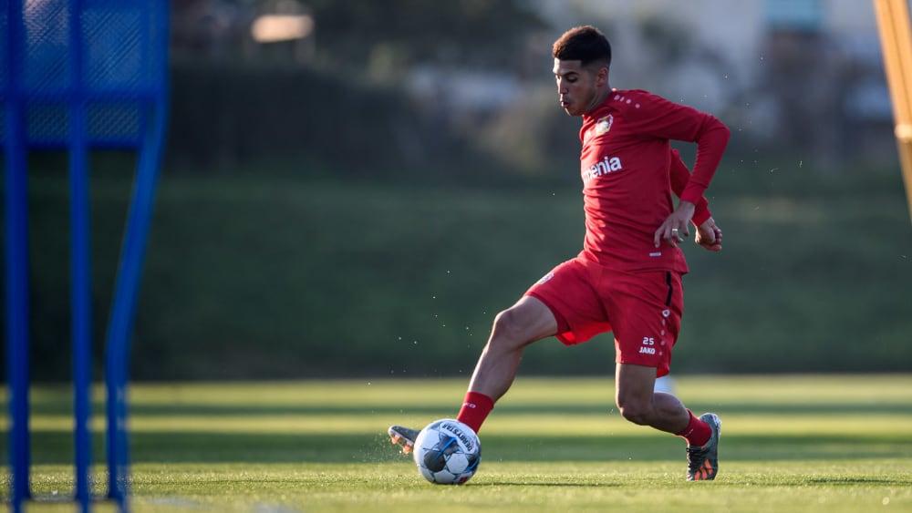 Bayer-Neuzugang Exequiel Palacios muss auf seinen Punktspiel-Einstand für Leverkusen warten.