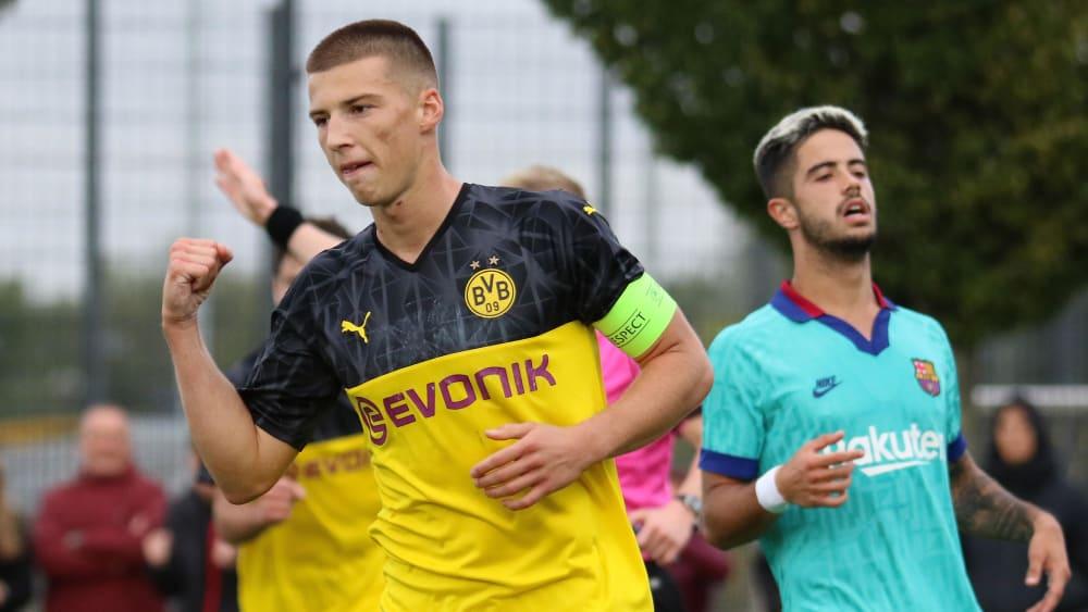 Tobias Raschl schoss erneut den Dortmunder Siegtreffer gegen Barcelona.