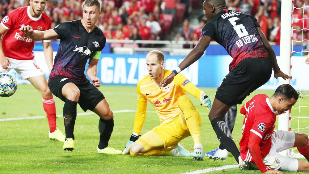 Mit Option: Leipzig verlängert mit Gulacsi - RB hält den Stammtorwart