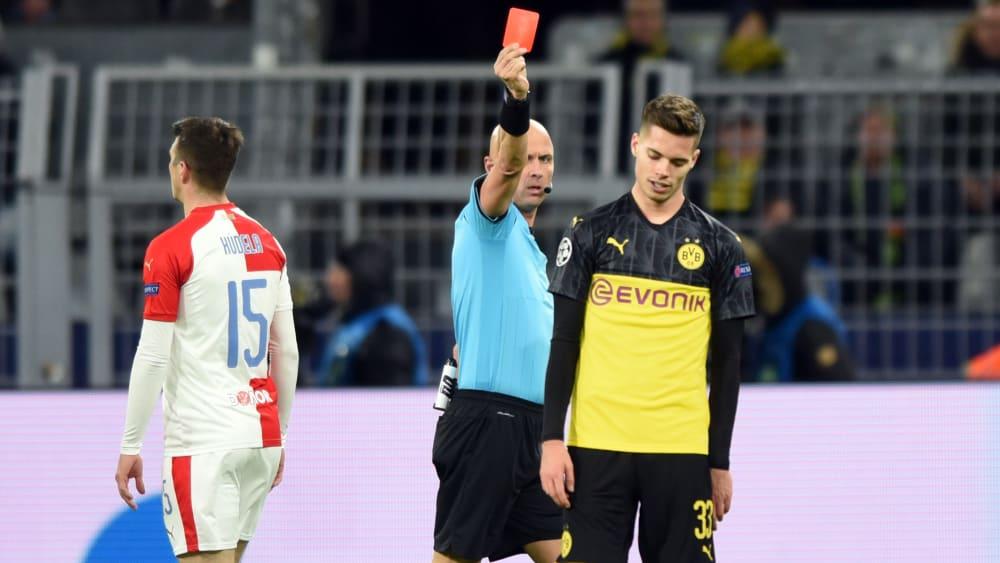 Favre legt Weigl nicht an die Kette - Borussia Dortmund: Gelbsperre droht