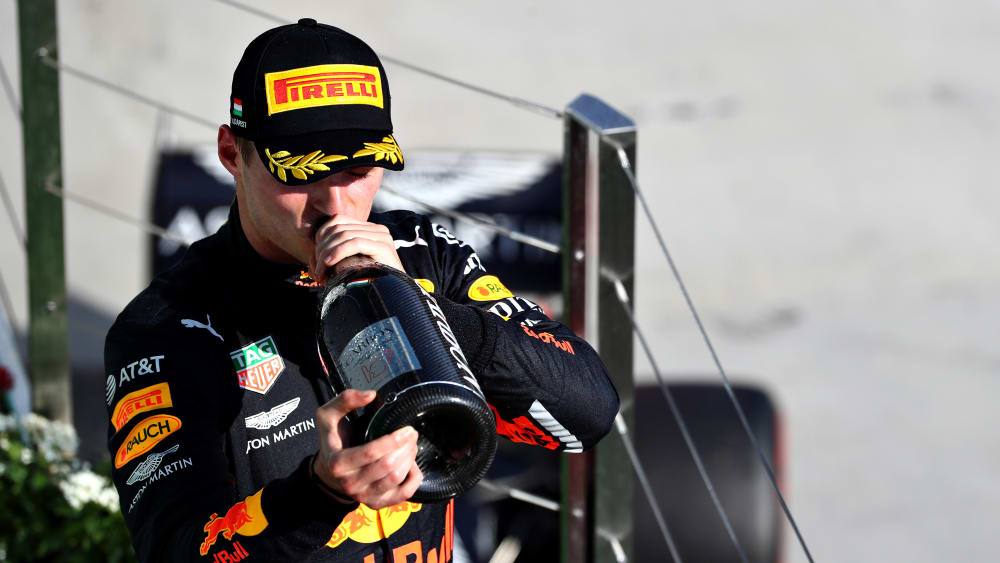 Champagner ja, überschäumende Freude nein: Red-Bull-Pilot Max Verstappen.