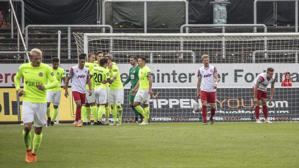 Wehen Wiesbaden beim 7:0 im Kölner Südstadion
