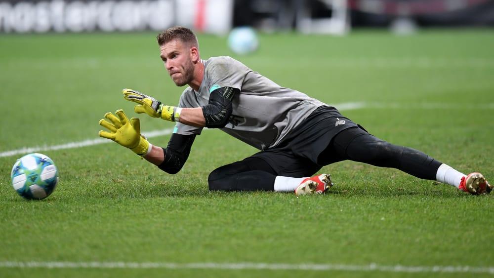 Adrian bereitetet sich auf sein erstes Endspiel mit Liverpool vor.