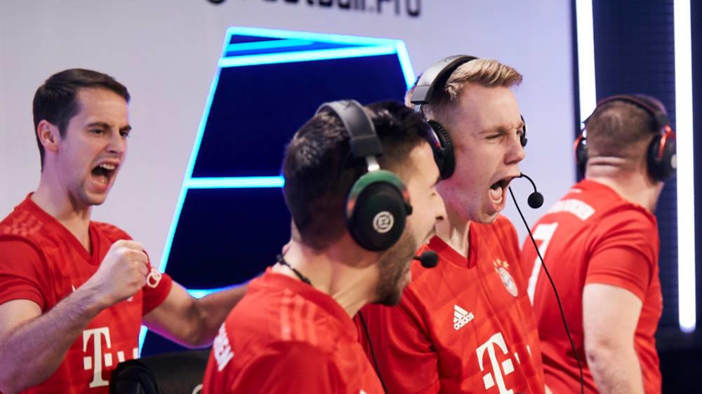 Freudenschreie beim FC Bayern. Die Münchener haben das deutsche Duell gegen Schalke gewonnen.
