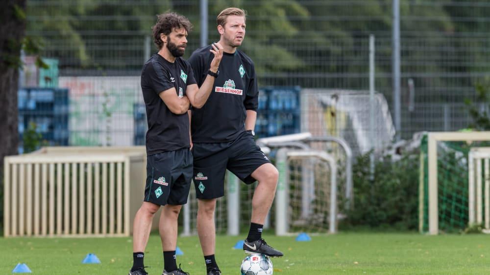 Degradiert: Axel Dörrfuß (l., mit Trainer Florian Kohfeldt) ist ab sofort nicht mehr für die Werder-Profis zuständig.