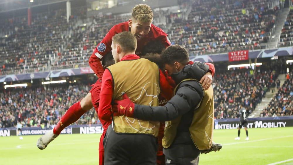 Liverpool bejubelt das vorentscheidende 2:0 durch Mohamed Salah.