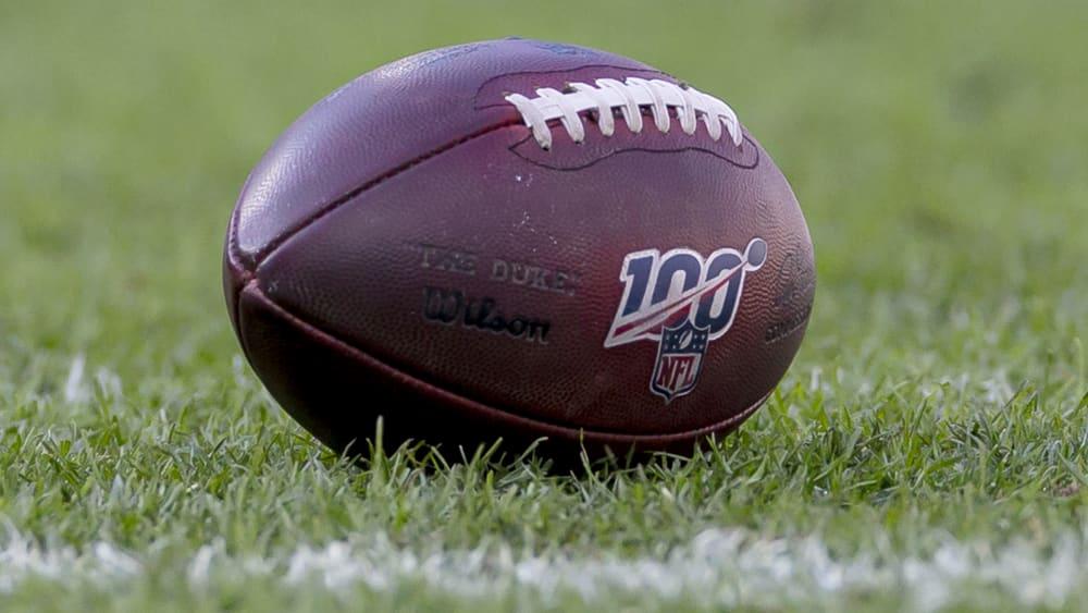 Das ist ein Football aus der National Football League.