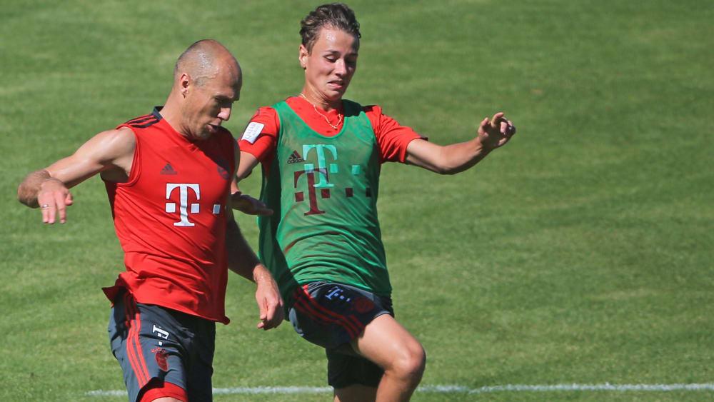 Arjen Robben (li.) und Alex Timossi Andersson